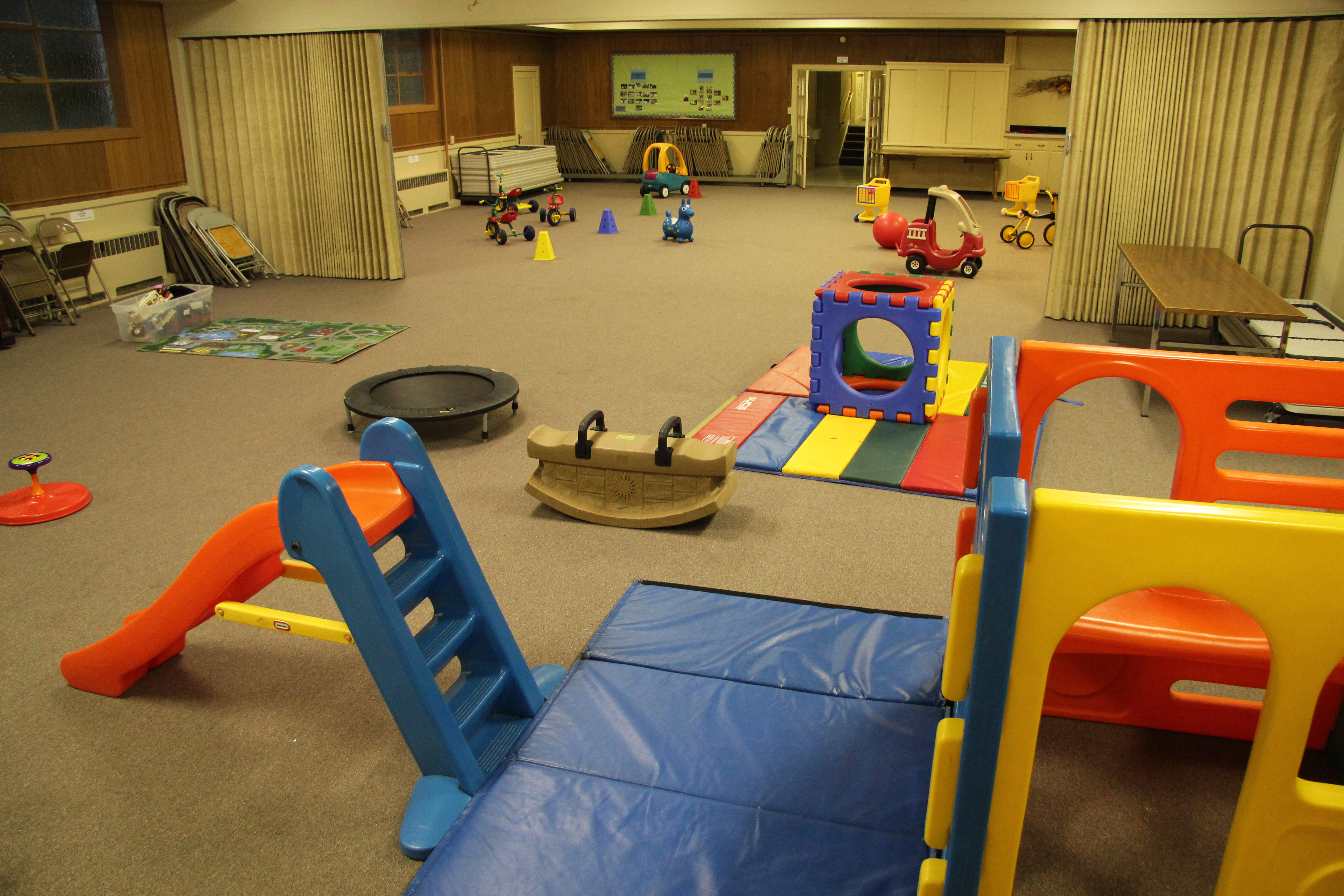 Photo tour children 39 s co op preschool for Toddler play places
